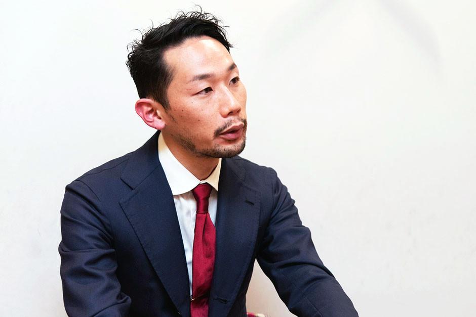 Shoe Shine WORKS 代表の菊池 政寛さんとのインタビューの様子