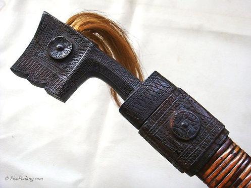 Pedang Hemola Hulu Tanduk