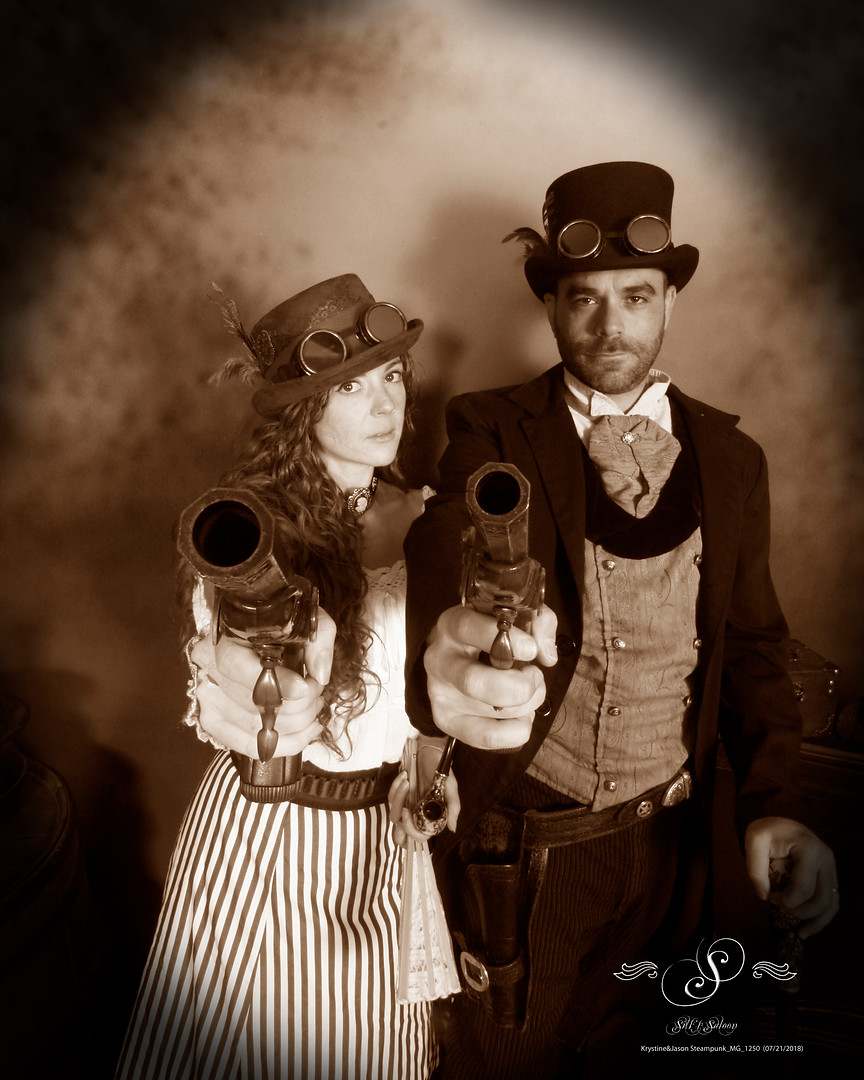 Krystine&Jason Steampunk_MG_1250.jpg