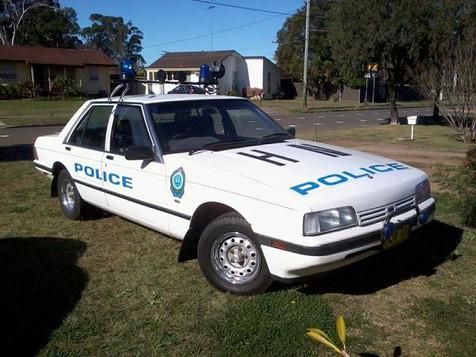 Falcon XF police 1987.jpg