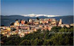 Roussillon,le village