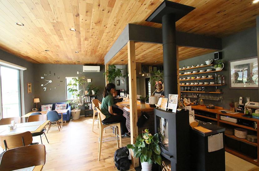 事例 DROPS CAFE 店内