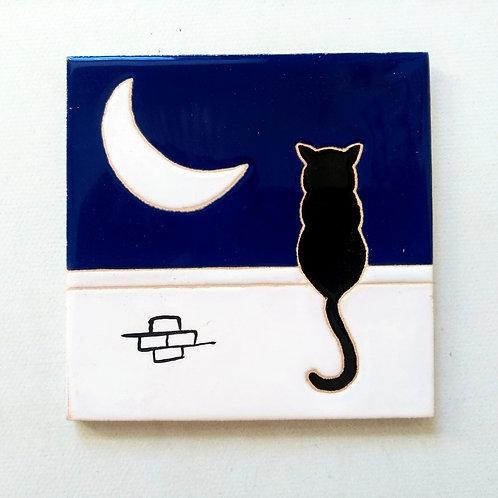 Quadrinho Gato preto no muro, céu noturno. Azulejo 10x10cm