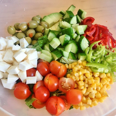 How to build super salads to stay healthy and fit