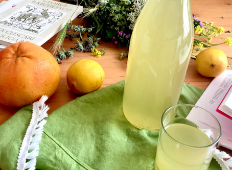 Homemade low sugar Elderflower cordial