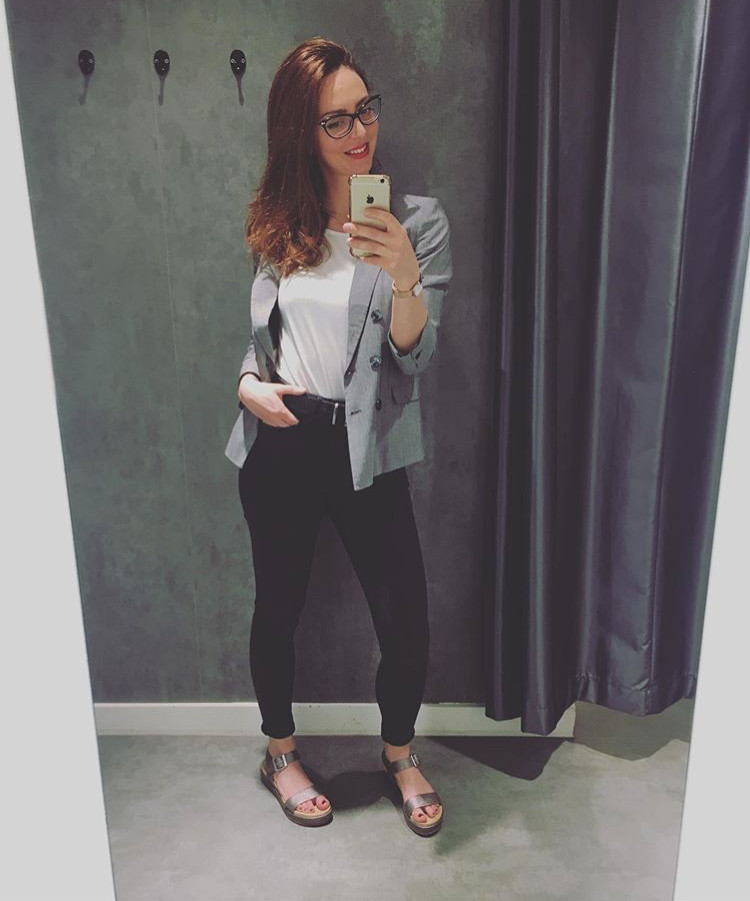 Massimo Rebecchi blazer, New Look t-shirt, Primark Jeans, Oliver Bonas sandals