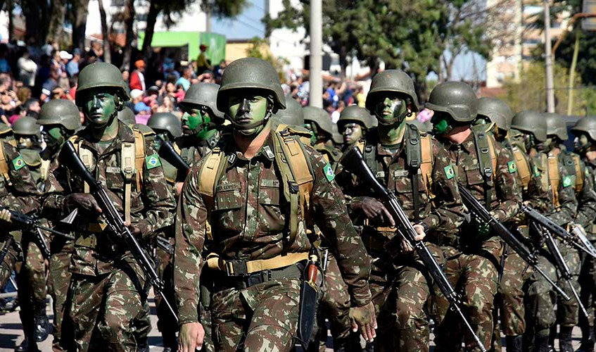 25-mil-pessoas-prestigiam-desfile-de-7-d