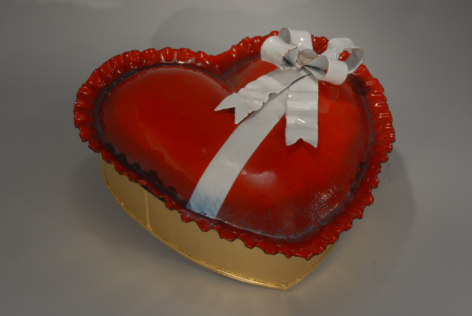Valentine Box with Lid-Closed
