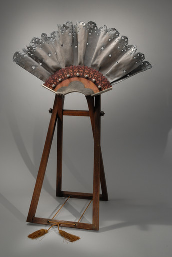 Hand fan with Stand