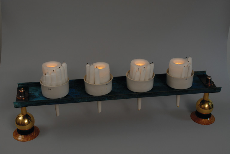 Tabletop candleholder