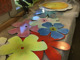 Beautiful and sturdy enameled flower components