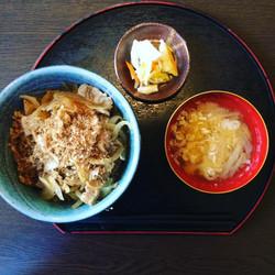 白百合ポーク丼