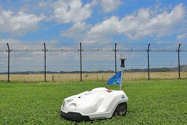 緑地の維持管理_芝刈りロボットⅡ.JPG