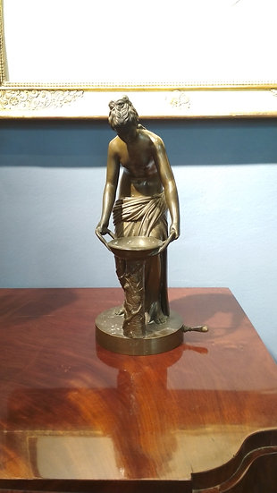 Bronzestatue Priesterin