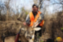 Another happy deer hunting client of Illinois' Ohio River Outfitters