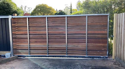 Sliding-wooden-gate-automatic-mechanism.
