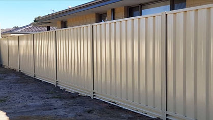 Cream-colorbond-fence-installation.jpg