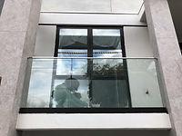 Glass-Balustrade-on-balcony.jpg