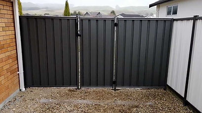 Security-fence-made-from-metal-with-latc