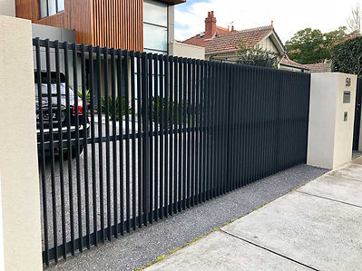 Black-metal-automic-gate-for-residential
