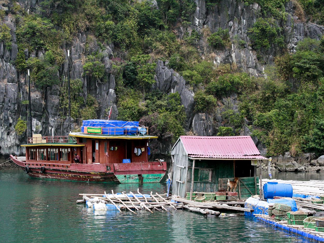 Vietnam Halong Bay 2010