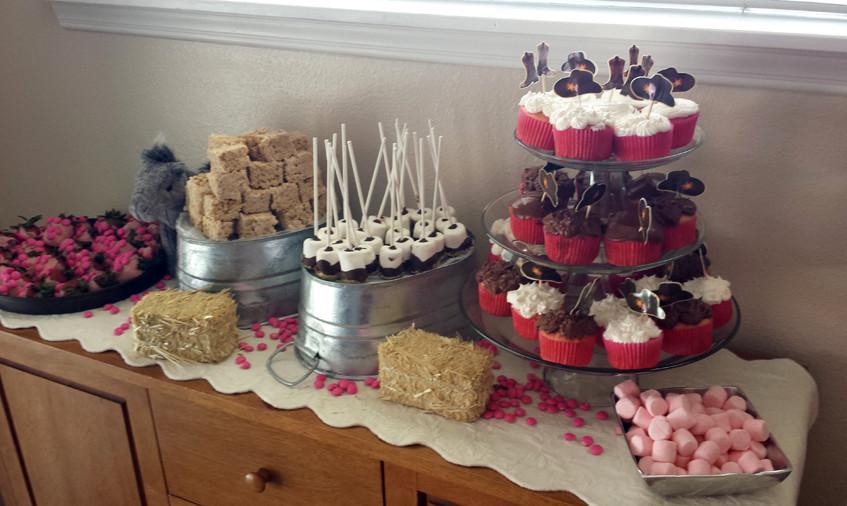 Finished dessert table