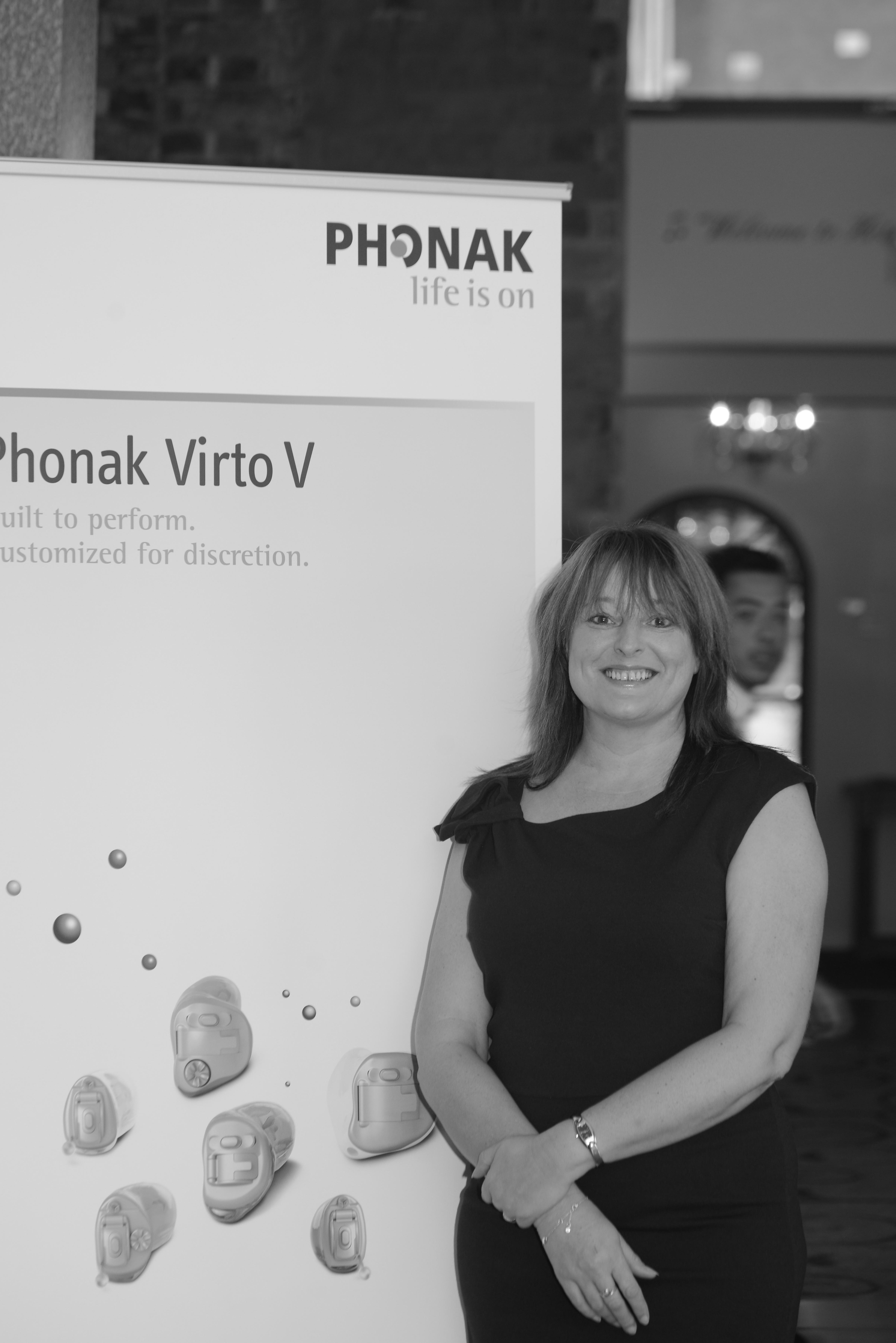 Phonak hEARo, Angie Aspinall