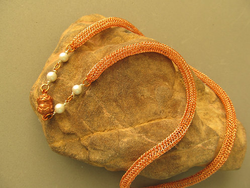 Handmade Necklace of knitted copper with glass pearls
