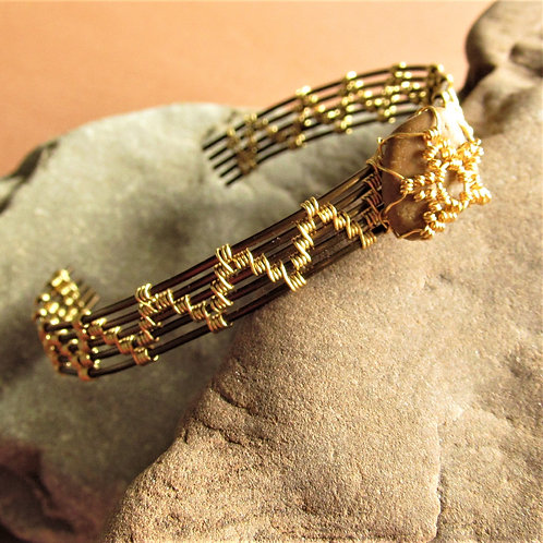 Handmade bracelet wire woven vintage bronze with mounted river smoothed stone