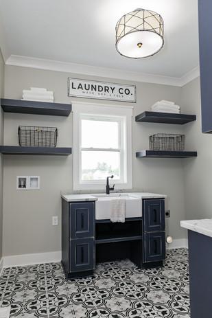 Laundry room 2.jpg