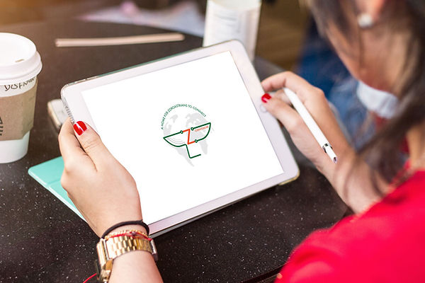 logo-ipad-in-hand (1).jpg