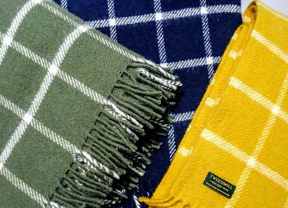 Plaid à carreaux en laine. 150x183cm