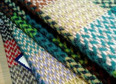 Grand plaid en laine recyclée. 150x200cm