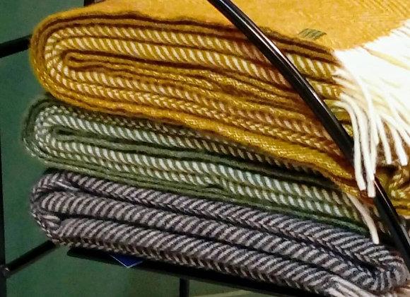 Plaid chevron en laine. 150x183cm
