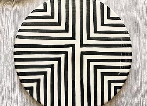 Plateau graphique noir et blanc.Modèle  offset cross