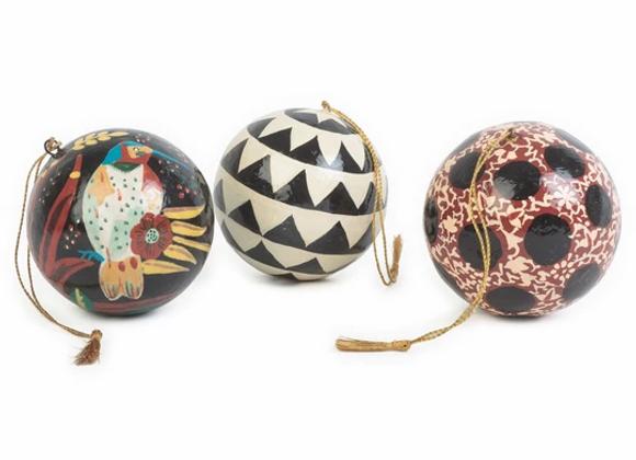 Set de 3 boules décoratives. MATRIOCHKA