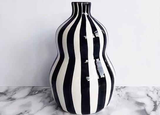 Vase Gourde rayé noir et blanc en terre cuite