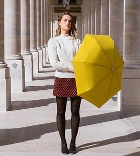 Anatole-parapluie-jaune-homme-femme-1500