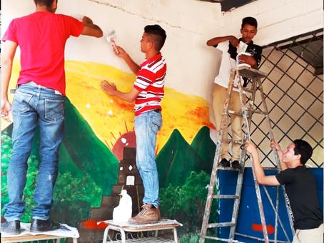 ¡Pintando escuelas libres de violencia!