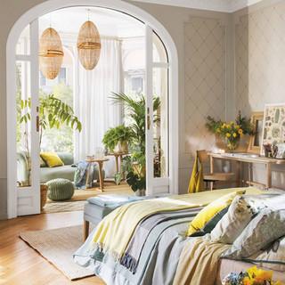 dormitorio-con-galeria-al-fondo-y-planta