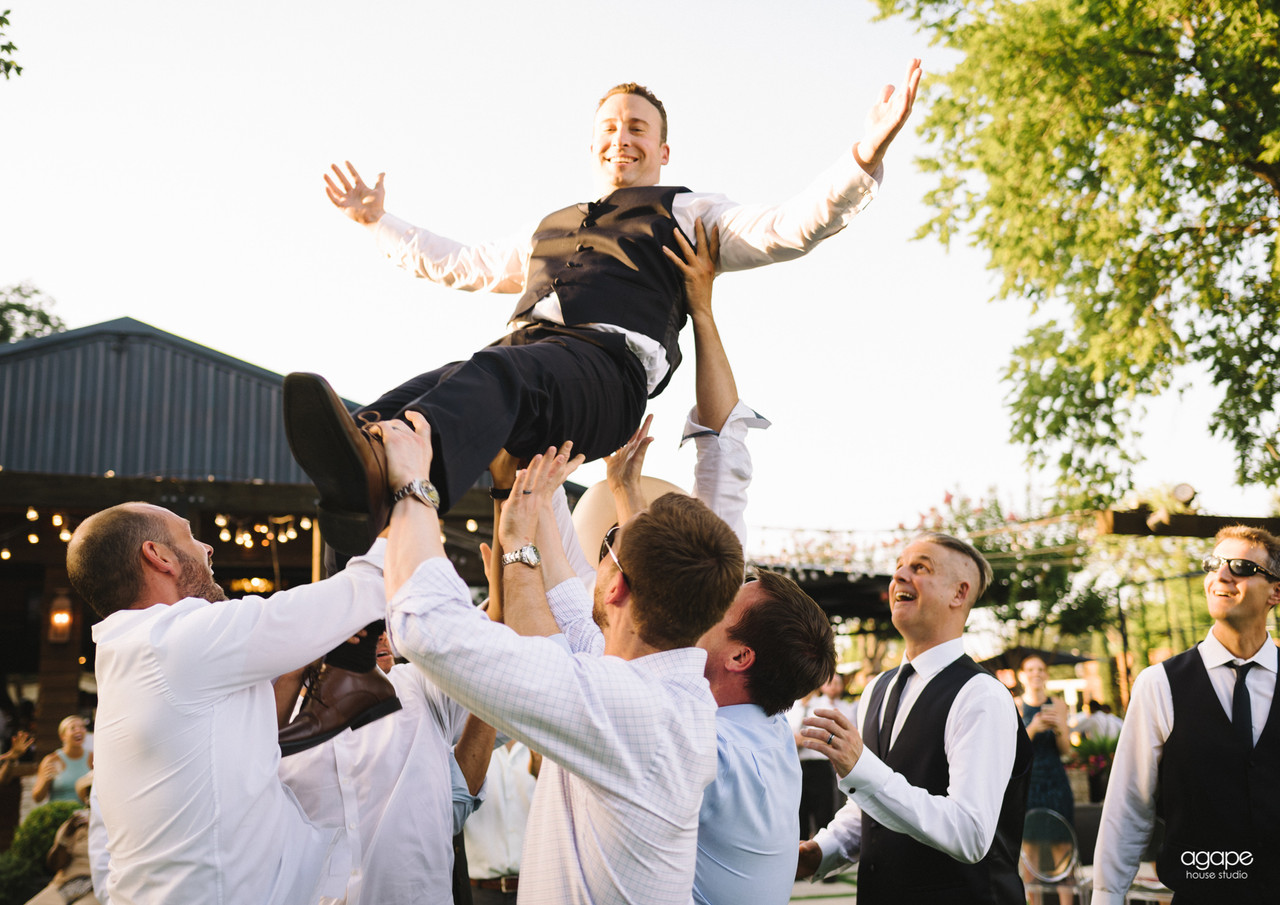 Groom up your party!
