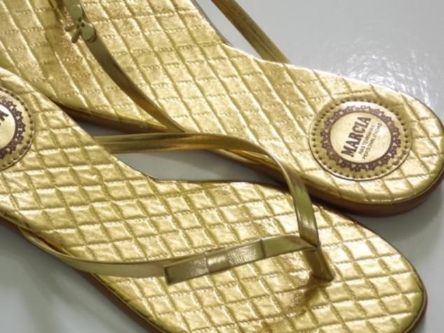 Ref: 060 Matelassê dourado metalizado