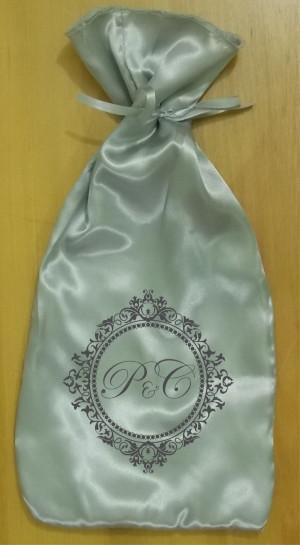 Saquinho de cetim prata personalizado