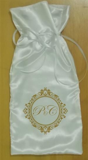 Saquinho de cetim branco personalizado