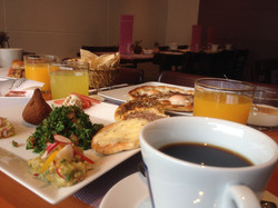 Café bio à volonté, thé, jus frais!