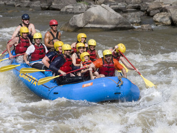 HOW TO BUY A WHITEWATER RAFT