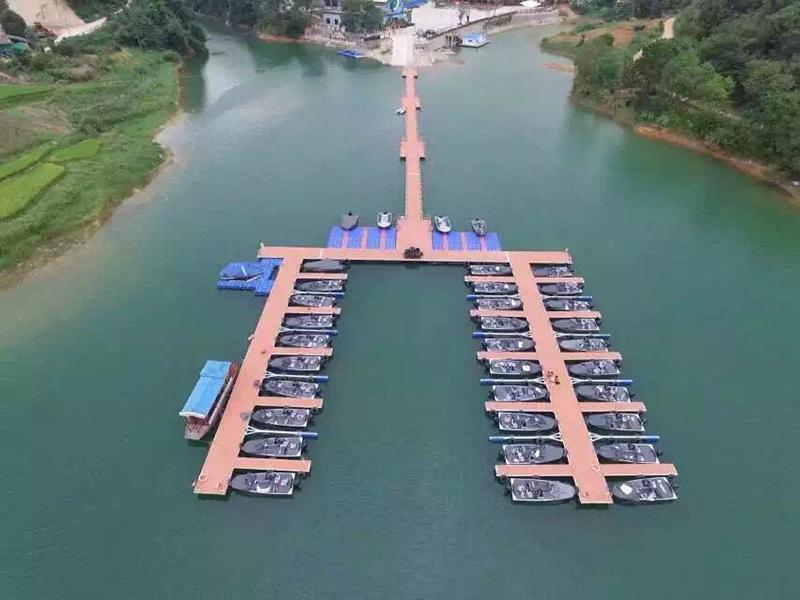 30 Slip Lake Marina