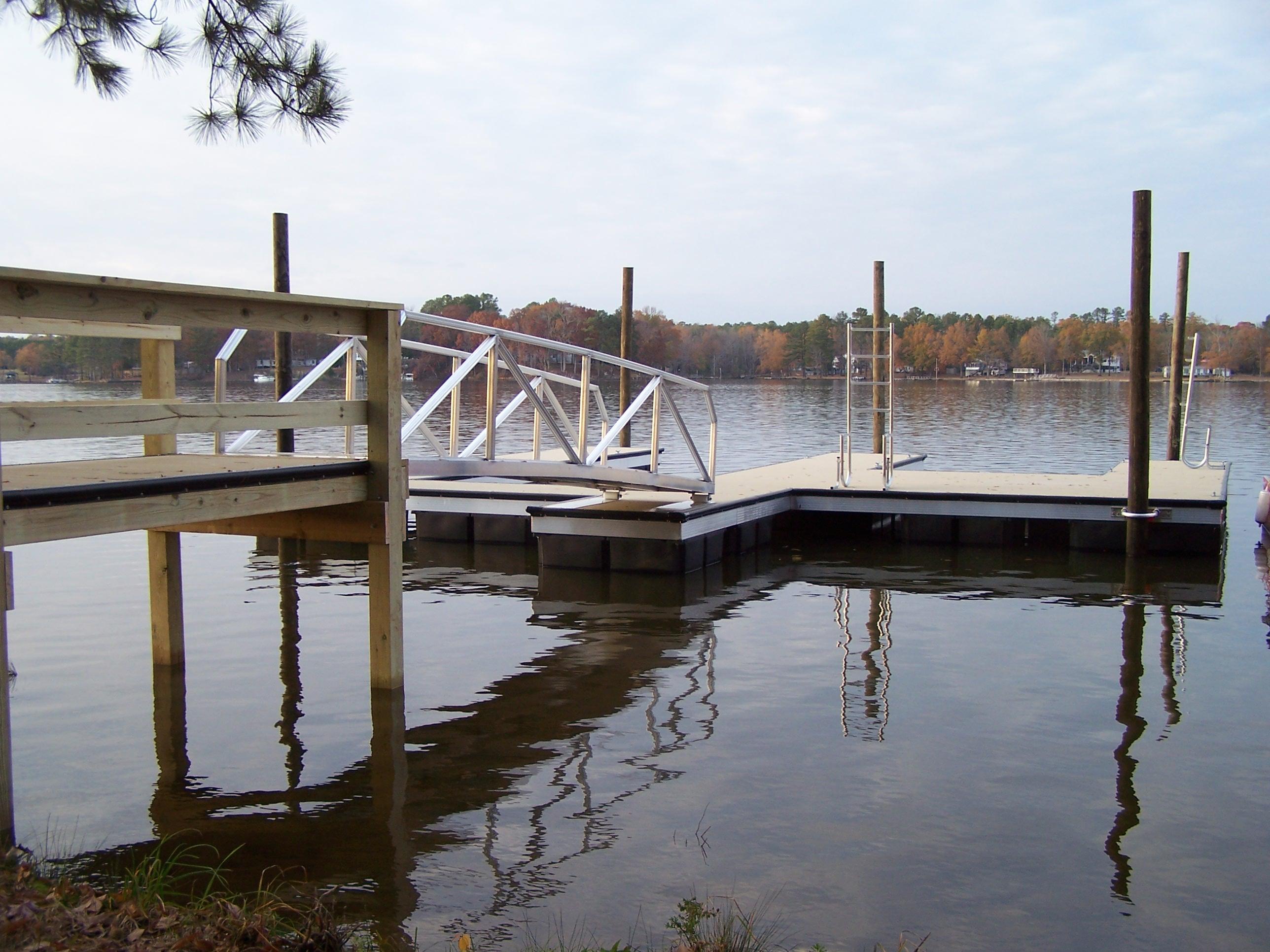 E Shape Floating Dock