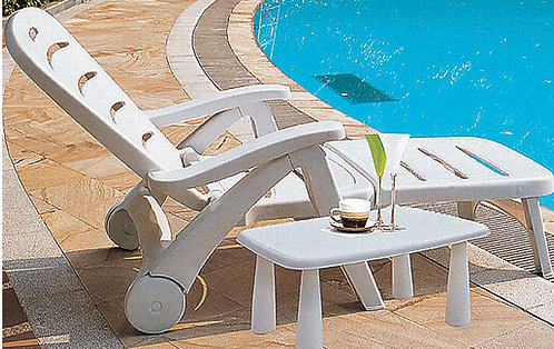 Polyethylene Sunbathing Lounge Chair