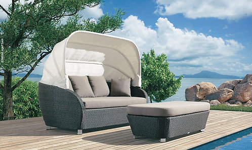 Resort Central Lounge Bed with Folding Cover and Ottoman